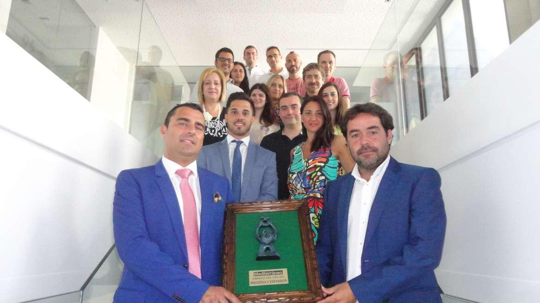 AM Cargo presenta su nuevo centro logístico en sociedad